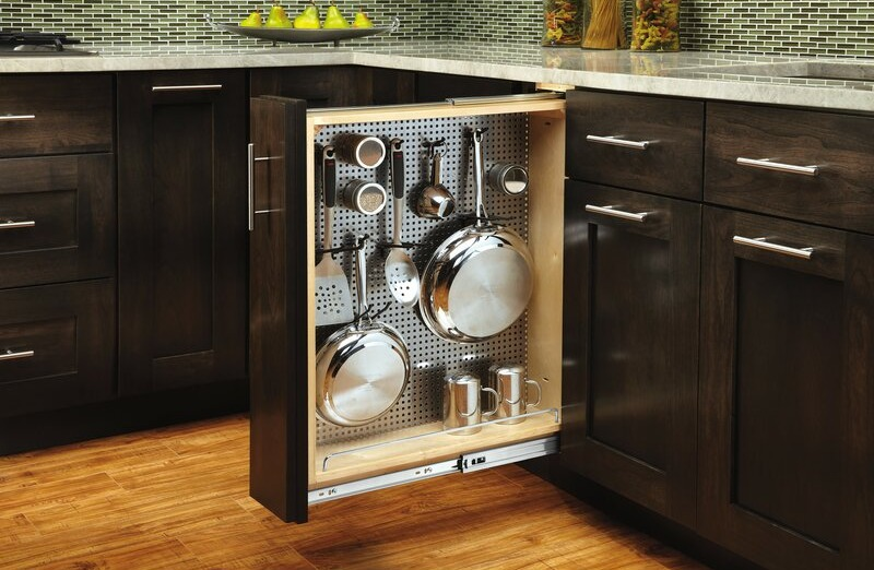 Pull-out storage for pots and pans