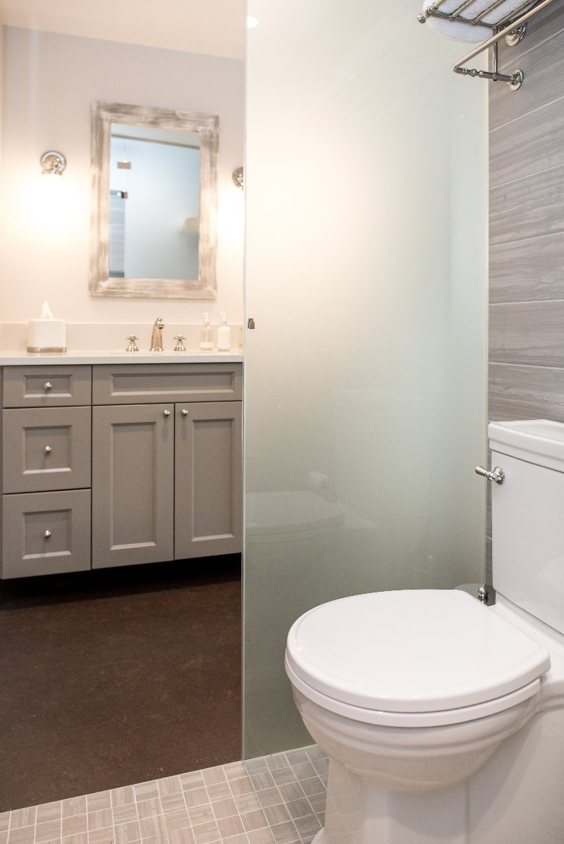 Photo of a long and narrow three-quarter bath