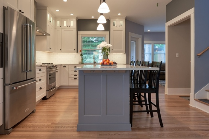 Tuxedo style kitchen cabinets
