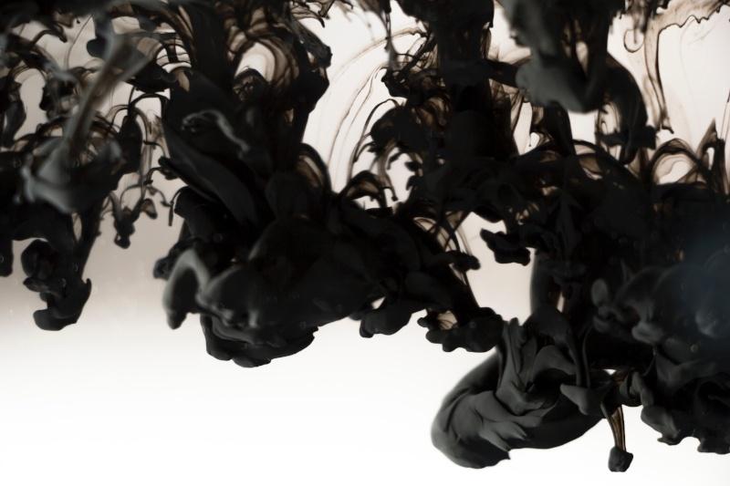 800px black paint